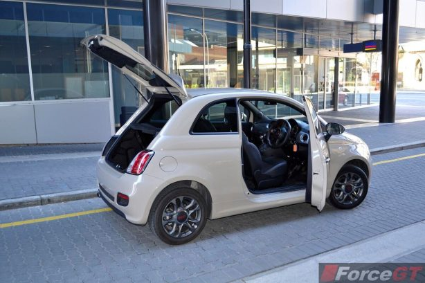 Fiat 500 Review-2013 Fiat 500 Sport interior