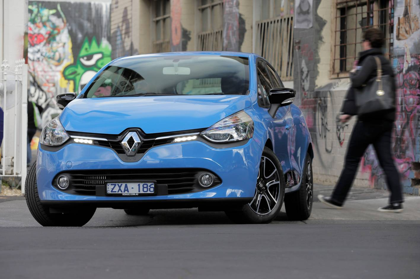 Renault Cars - News: Clio 4 pricing and specifications