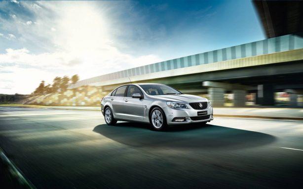 2013-Holden-VF-Commodore-International-edition-front-quarter