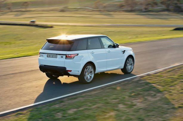 2014 Range Rover Sport rear quarter