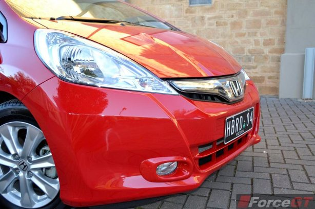 Honda Jazz Review-2013 Honda Jazz Hybrid headlight