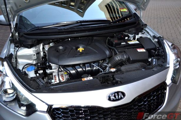 Kia Cerato Review-2013 Kia Cerato Hatch engine