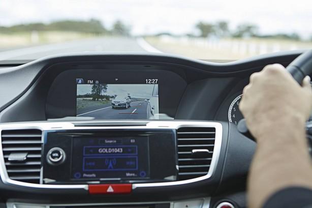 2013-Honda-Accord-Lane-Watch