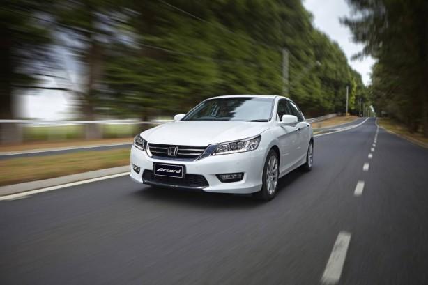 2013-Honda-Accord-VTi-L-ADAS-front-quarter