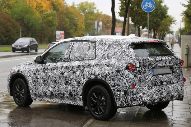2015-BMW-X1-spy-photos-rear-quarter2