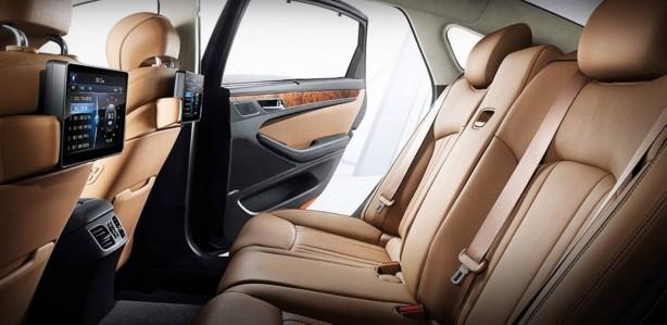 All-New-Hyundai-Genesis-rear-seats
