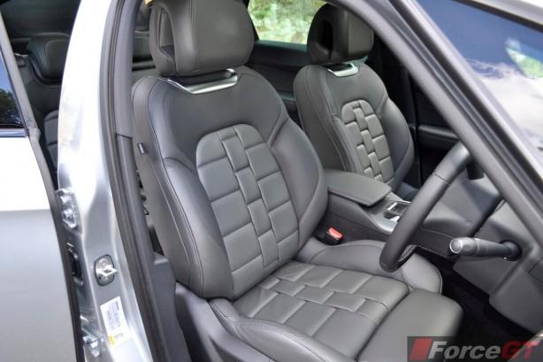 Citroen DS5 Review-2013 DS5 front seats