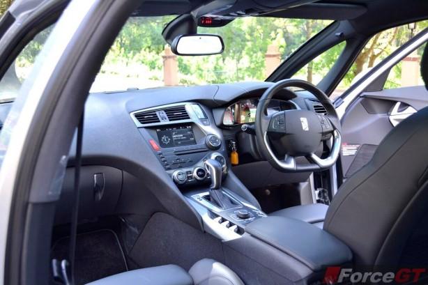 Citroen DS5 Review-2013 DS5 interior