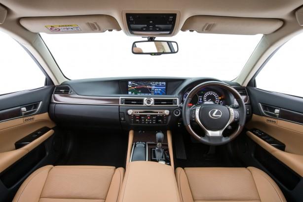 Lexus GS 300h interior