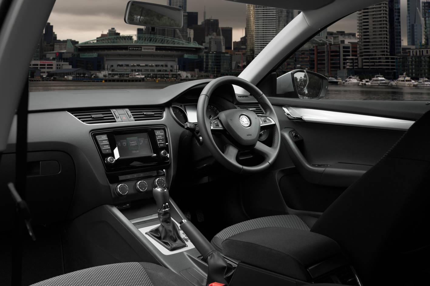 Skoda Octavia Ambition Plus interior dashboard - ForceGT.com