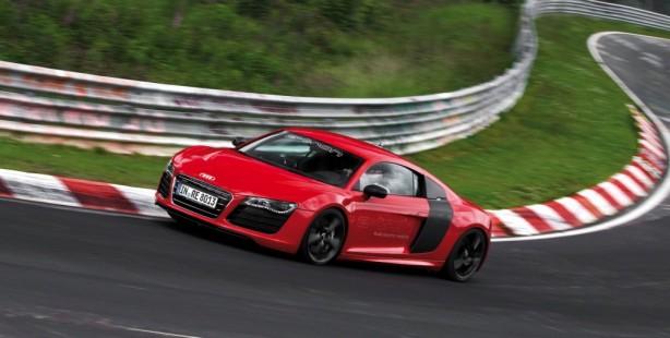 2013 Audi R8 e-tron side rolling