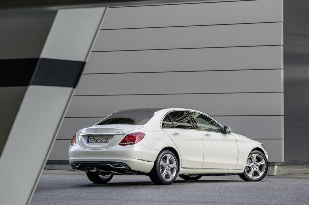 2014-Mercedes-Benz-C-Class-rear-quarter