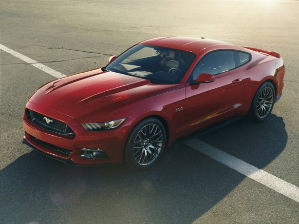 2015 Ford Mustang front quarter-1