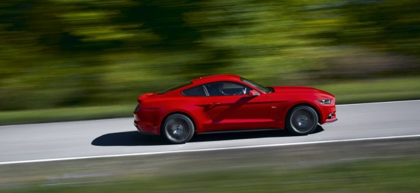 2015 Ford Mustang side rolling