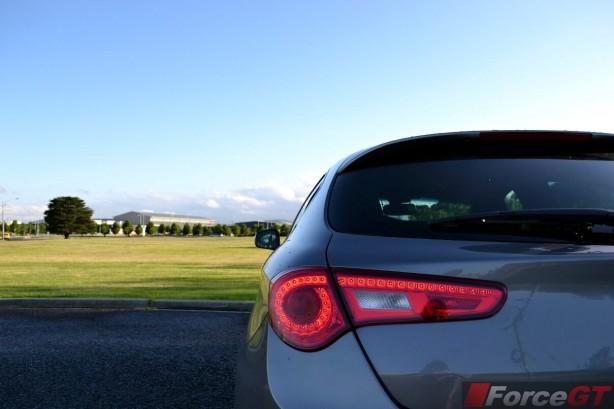 2013-Alfa-Romeo-Giulietta-QV-rear-light