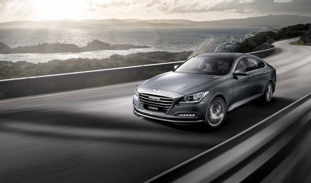 2014 Hyundai Genesis sedan front quarter