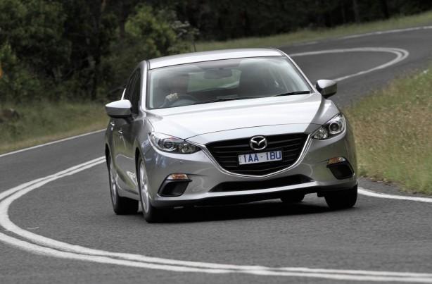 2014-Mazda3-hatch-front