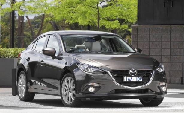 2014-Mazda3-sedan-front-quarter