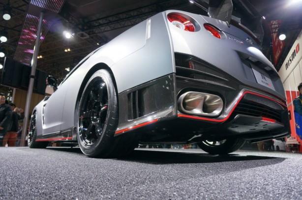 2014-Nissan-GT-R-Nismo-rear-diffuser