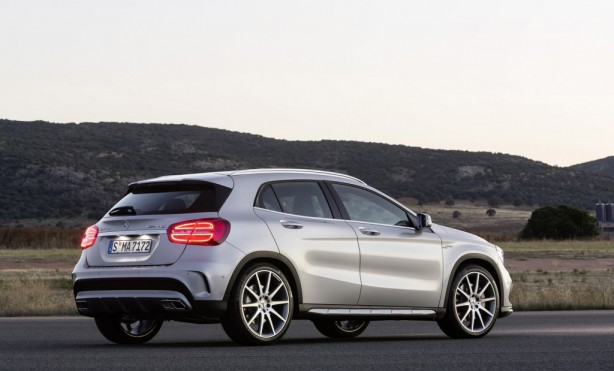 2015 Mercedes-Benz GLA45 AMG rear quarter