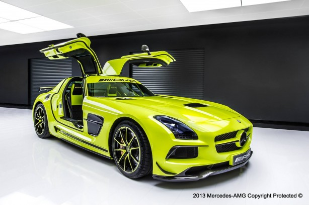Mercedes-Benz SLS AMG Coupe Black Series front quarter