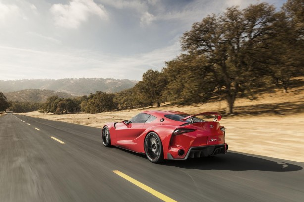 Toyota-FT-1-Concept-rolling