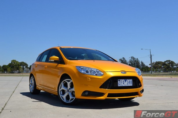 2014-Ford-Focus-ST-front-quarter