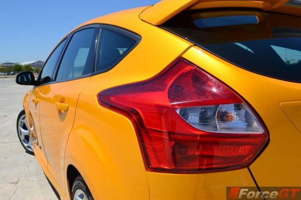 2014-Ford-Focus-ST-rear-light