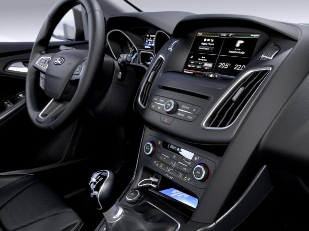 2014 Ford Focus facelift interior centre console