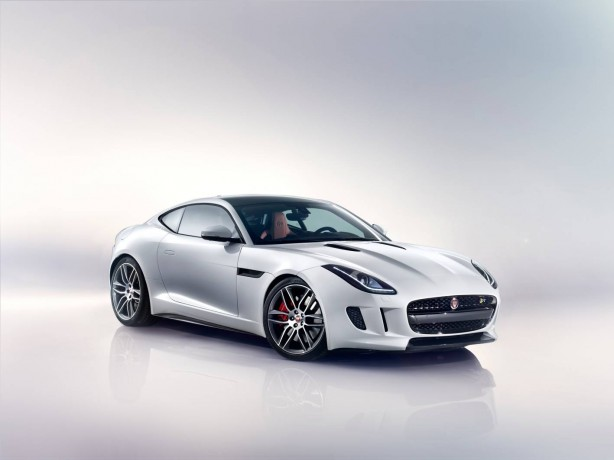 2014-Jaguar-F-Type-R-coupe-front-quarter