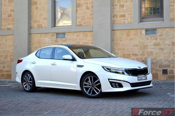 2014 Kia Optima Review-Optima Platinum front quarter