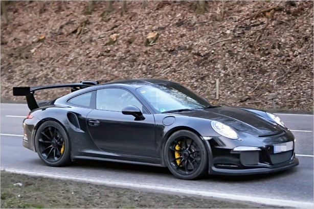 2014-Porsche-GT3-RS-spy-photo-side