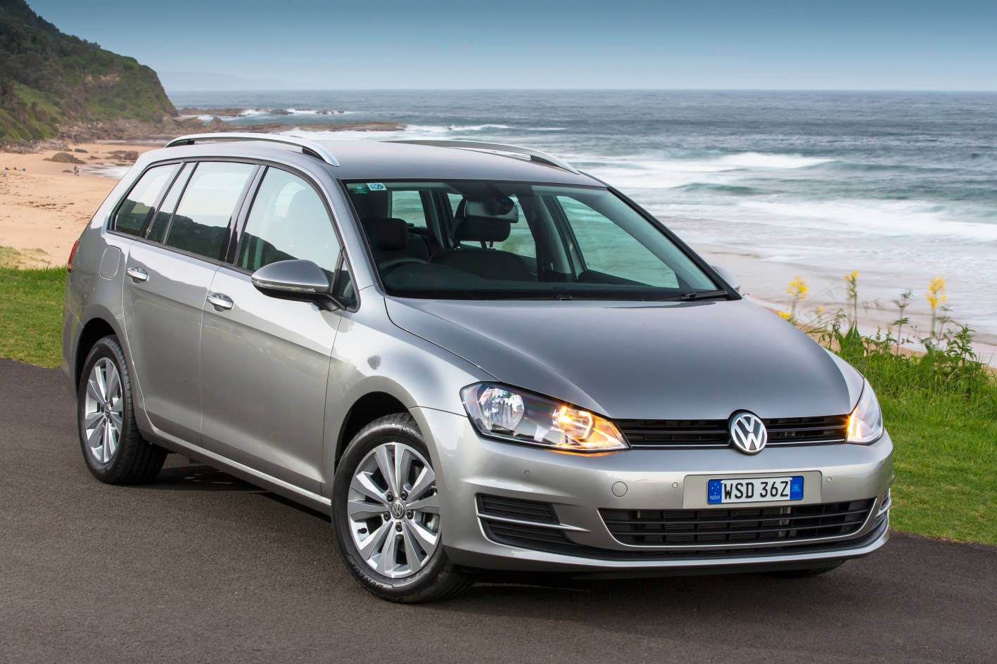 volkswagen cars news golf wagon joins 2014 golf range. Black Bedroom Furniture Sets. Home Design Ideas