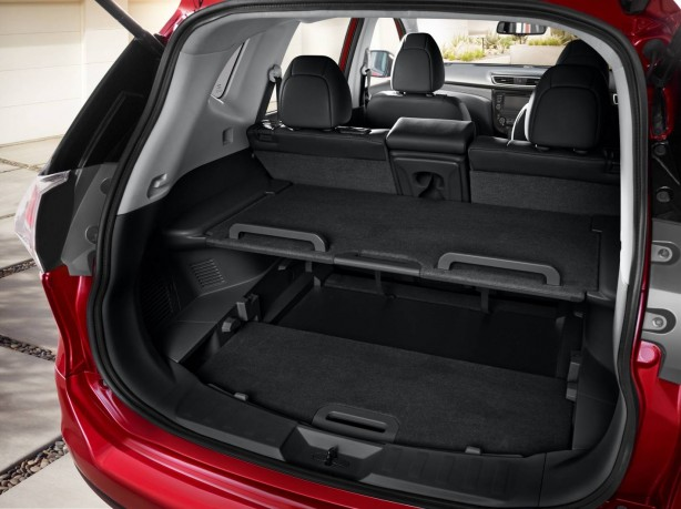 Nissan X-Trail Divide 'N' Hide storage