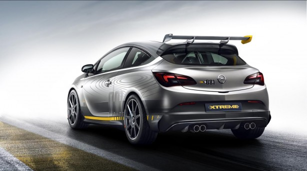 Opel Astra OPC EXTREME rear quarter