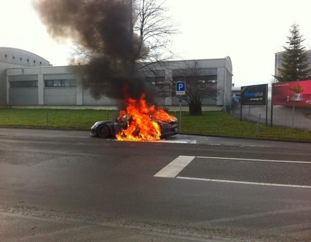 Porsche 911 GT3 caught fire in Switzerland
