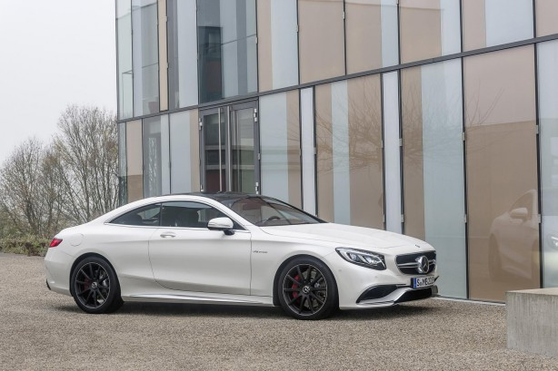2014-Mercedes-Benz-S63-AMG-Coupe-side