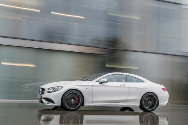 2014-Mercedes-Benz-S63-AMG-Coupe-side2