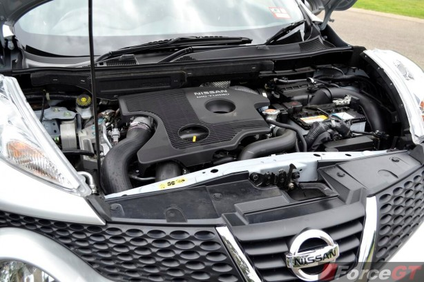 2014 Nissan Juke ST-S engine