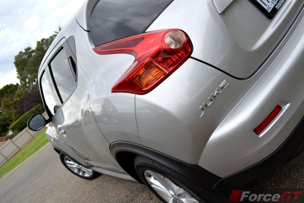 2014 Nissan Juke ST-S profile