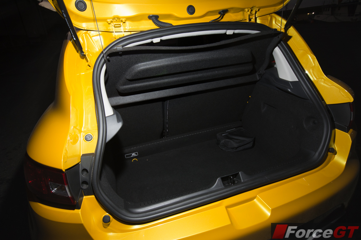2014 Renault Clio RS boot space - ForceGT.com