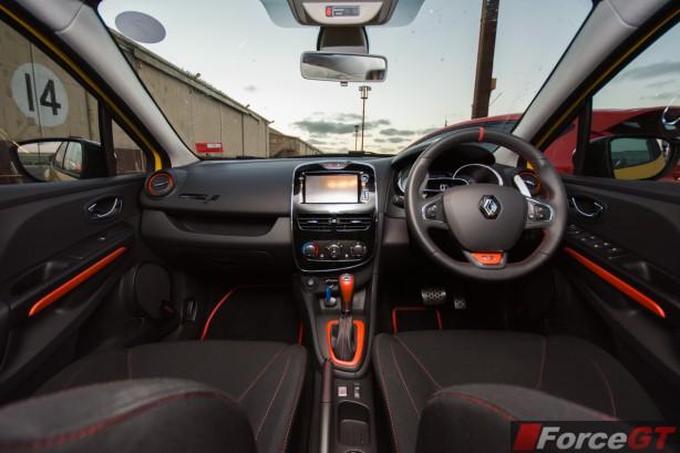 2014 Renault Clio RS interior