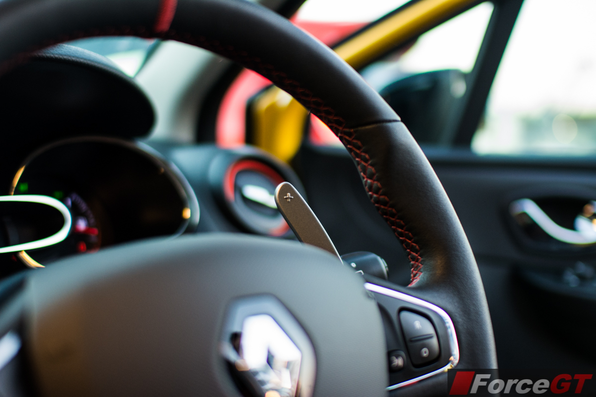 Coupe Vs Sedan >> 2014 Renault Clio RS paddle shifters - ForceGT.com