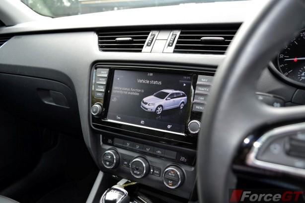 2014 Skoda Octavia Elegance 8-inch Columbus touchscreen