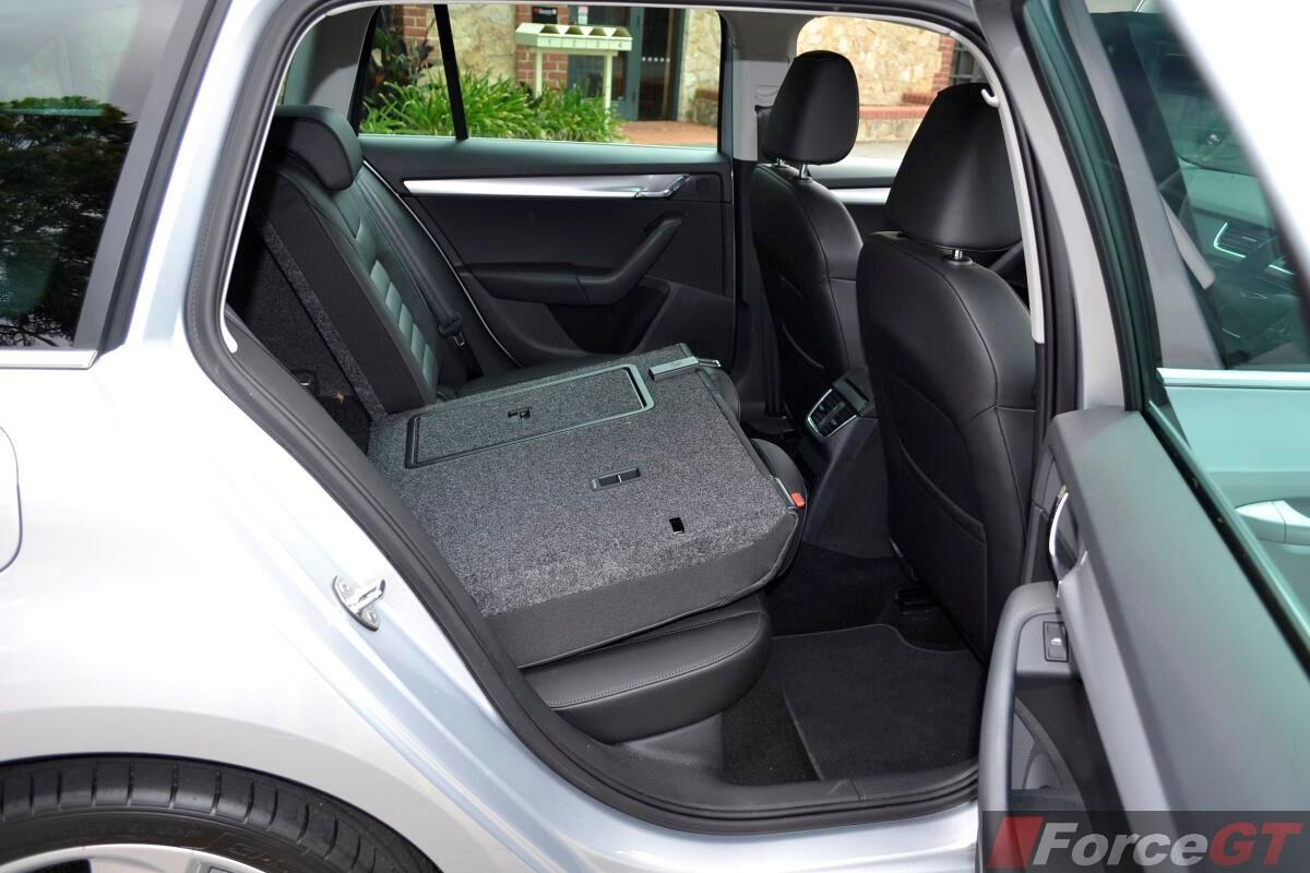 Towing Capacity >> Skoda Octavia Review: 2014 Octavia Wagon