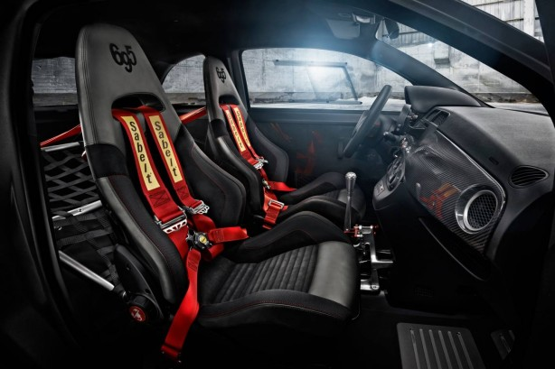 Abarth-695-Biposto-racing-seats