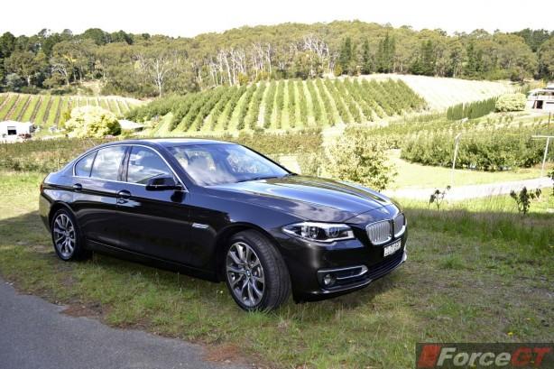 2014 BMW 535d front quarter-1