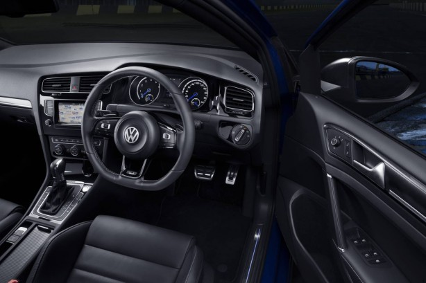 4th gen Volkswagen Golf R interior