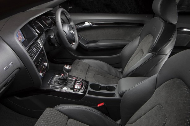 Audi-A5-Coupe-S-line-Competition-front-seats