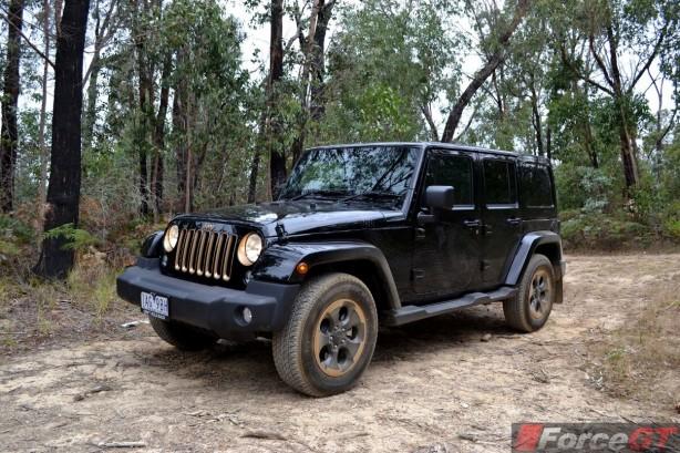 Jeep-Wrangler-Dragon-Edition-front-quarter2